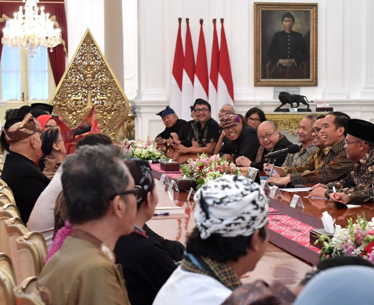 Presiden Jokowi Undang Seniman dan Budayawan