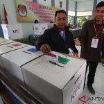 Petugas PPK-PPS Gelar Simulasi Pemungutan Suara di Surabaya