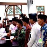 Presiden Serahkan 253 Sertipikat Wakaf di Ngawi