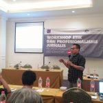 Jurnalis Taat Etik untuk Menghadapi Era Digital
