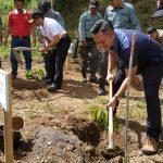3900 Bibit Pohon Ditanam di Kawasan Hutan Lereng Kaki Gunung Wilis