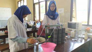 Siswi SMA Negeri 1 Kediri, Ciptakan Biofilter Berbahan Larva Lalat