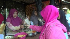 Pasar Godong Kediri, Gunakan Daun untuk Transaksi
