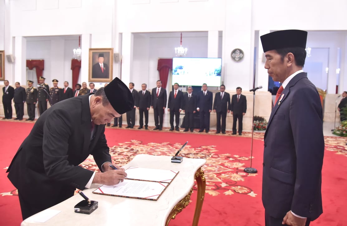 Presiden Lantik Hinsa Siburian Jadi Kepala BSSN