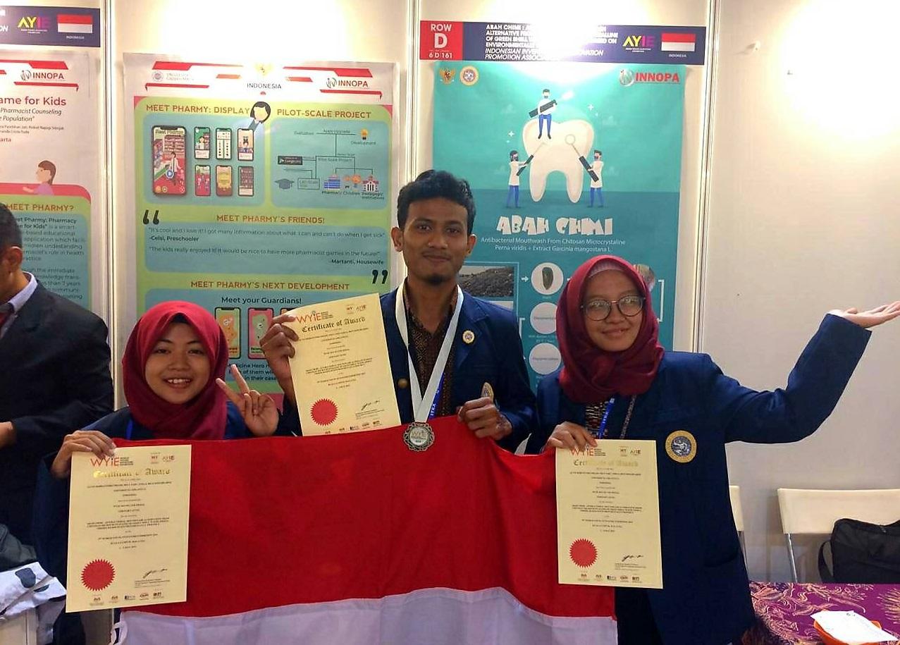 Mahasiswa Vokasi UNAIR Raih Medali Perak di Malaysia
