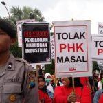 Khofifah Minta Buruh Tak Gelar Aksi May Day di Tengah Pandemi Corona