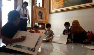 Siswa SIS Belajar Lukis di Socah Galery