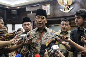 Wiranto : Polisi Berhak Bubarkan Demonstrasi Tanpa Izin