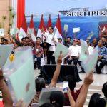 Presiden Serahkan 2.000 Sertipikat Hak Atas Tanah di Manado
