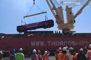 PT INKA Kirim 26 Gerbong Kereta ke Bangladesh