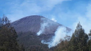Kebakaran Hutan, Pendakian Gunung Semeru Ditutup Total