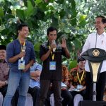 Presiden Bagikan Tanah Objek Reforma Agraria Pertama di Kalimantan