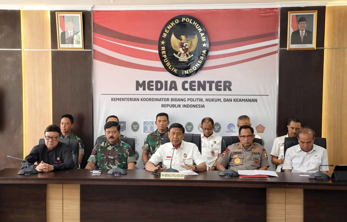 Wiranto Ingatkan Para Demonstran Taati Aturan