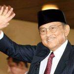 Khofifah Sampaikan Duka Cita Atas Wafatnya BJ Habibie