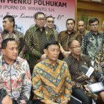 Silaturahmi Wiranto Bersama Keluarga Besar Kemenko Polhukam