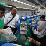 Gerakan Peduli Lingkungan di Stasiun Surabaya Gubeng