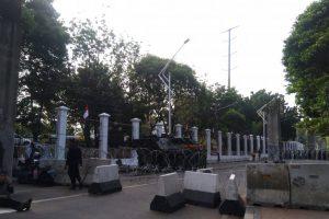 Penjagaan Berlapis di Sekitar Gedung Parlemen Jelang Pelantikan Presiden