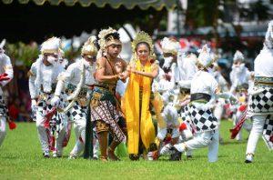 Mendikbud Serahkan Penetapan Warisan Budaya Tak Benda