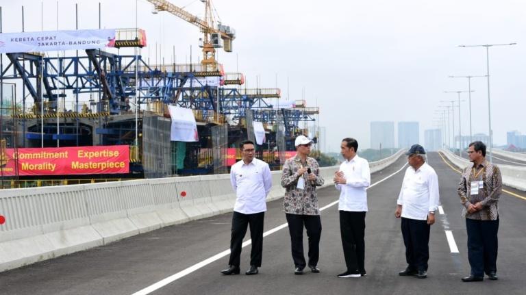 Presiden Tinjau Pembangunan LRT dan Kereta Cepat Jakarta-Bandung