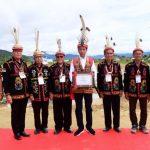 Presiden Dianugerahi Gelar Adat Dayak Lundayeh