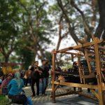 Edukasi Pembuatan Tenun Ikat Khas Kediri di Hutan Kota Joyoboyo