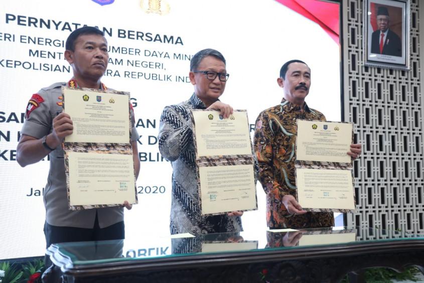 Kemendagri Bersama Menteri ESDM dan Kapolri Sepakati Pengawasan Penyediaan dan Pendistribusian BBM