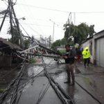Akibat Hujan dan Angin Kencang, Kota Surabaya dan Sekitarnya Alami Gangguan Listrik