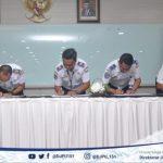 Penandatanganan dan Penyerahan Kontrak Angkutan Udara Perintis