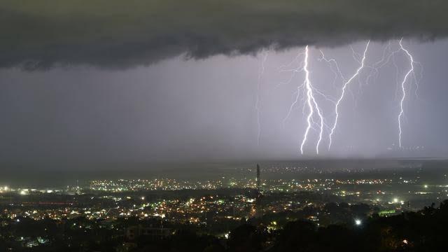 BMKG : Cuaca Ekstrem Terjadi Hingga Sepekan ke Depan