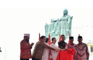 Presiden Resmikan Monumen Fatmawati