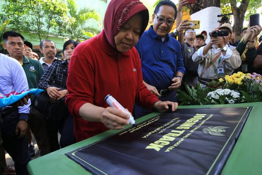 Kebun Binatang Surabaya Miliki Jogging Track dan Media Center