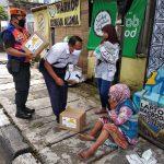 Daop 8 Surabaya Salurkan Bantuan Sembako dan Masker untuk Masyarakat