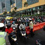 Hari Pertama PSBB Surabaya, Terjadi Kemacetan di Bundaran Waru