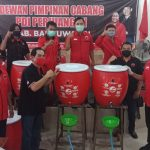 PDI Perjuangan Banyuwangi Serahkan Bantuan Sembako untuk Masyarakat Terdampak Covid-19
