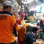 Baguna PDI Perjuangan Jatim Sebar Puluhan Ribu Masker ke Pasar se-Surabaya