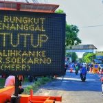 Cegah Penyebaran Covid-19, Jalan Rungkut Menanggal Surabaya Ditutup Sementara