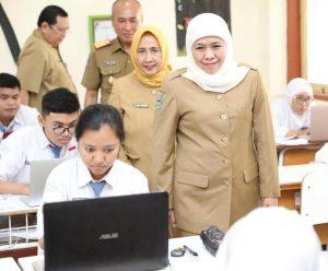 Khofifah Tegaskan SPP SMA/SMK Negeri se-Jatim Gratis