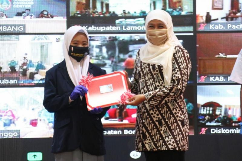 Mendagri Bersama Gubernur Jatim Launching Gerakan 26 Juta Masker