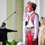 Presiden Kenakan Baju Adat NTT Saat Pimpin Upacara di Istana Merdeka