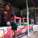 Usia 134 Tahun, Mbah Katimin Tetap Merawat Hutan