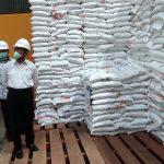 Kunjungi Gudang Bulog Kediri, Muhadjir Effendy Ingatkan Beras Bansos Harus Berkualitas Baik