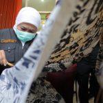 Khofifah Ajak Generasi Millenial dan Z Perkenalkan Batik Jatim
