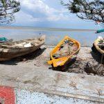 Pemkot Surabaya Bantu Perahu Nelayan yang Rusak Diterjang Gelombang Pasang