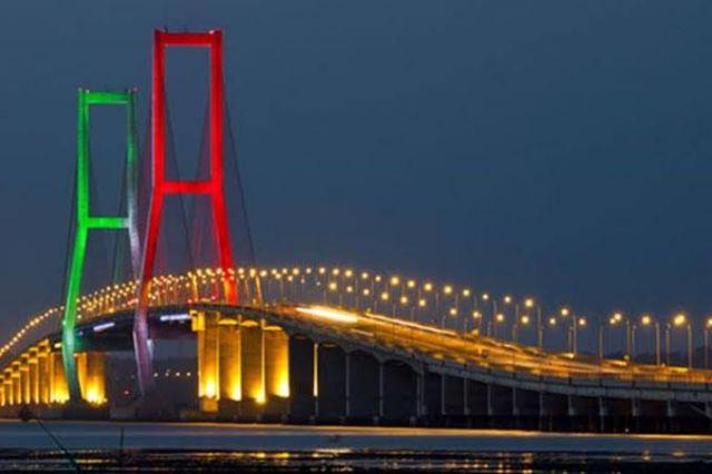 Jembatan Suramadu Ditutup Saat Malam Tahun Baru
