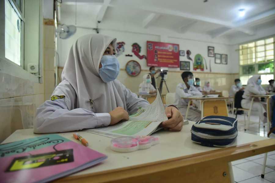 Hardiknas, PDI Perjuangan Kawal Persiapan Pembelajaran Tatap Muka di Surabaya