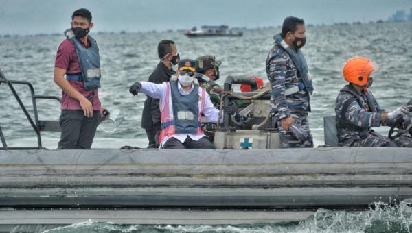 Tim Gabungan Temukan Titik Lokasi Jatuhnya Pesawat Sriwijaya Air SJ-182
