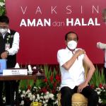 Presiden Jokowi Terima Vaksin Covid-19 Perdana