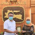 Terima Kunjungan Gubernur NTB, Khofifah Promosikan Kawasan Industri Halal di Jatim