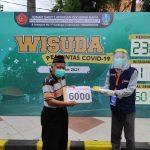 Lansia Penyintas Covid-19 Jadi Wisudawan ke-6000 RS Lapangan Indrapura