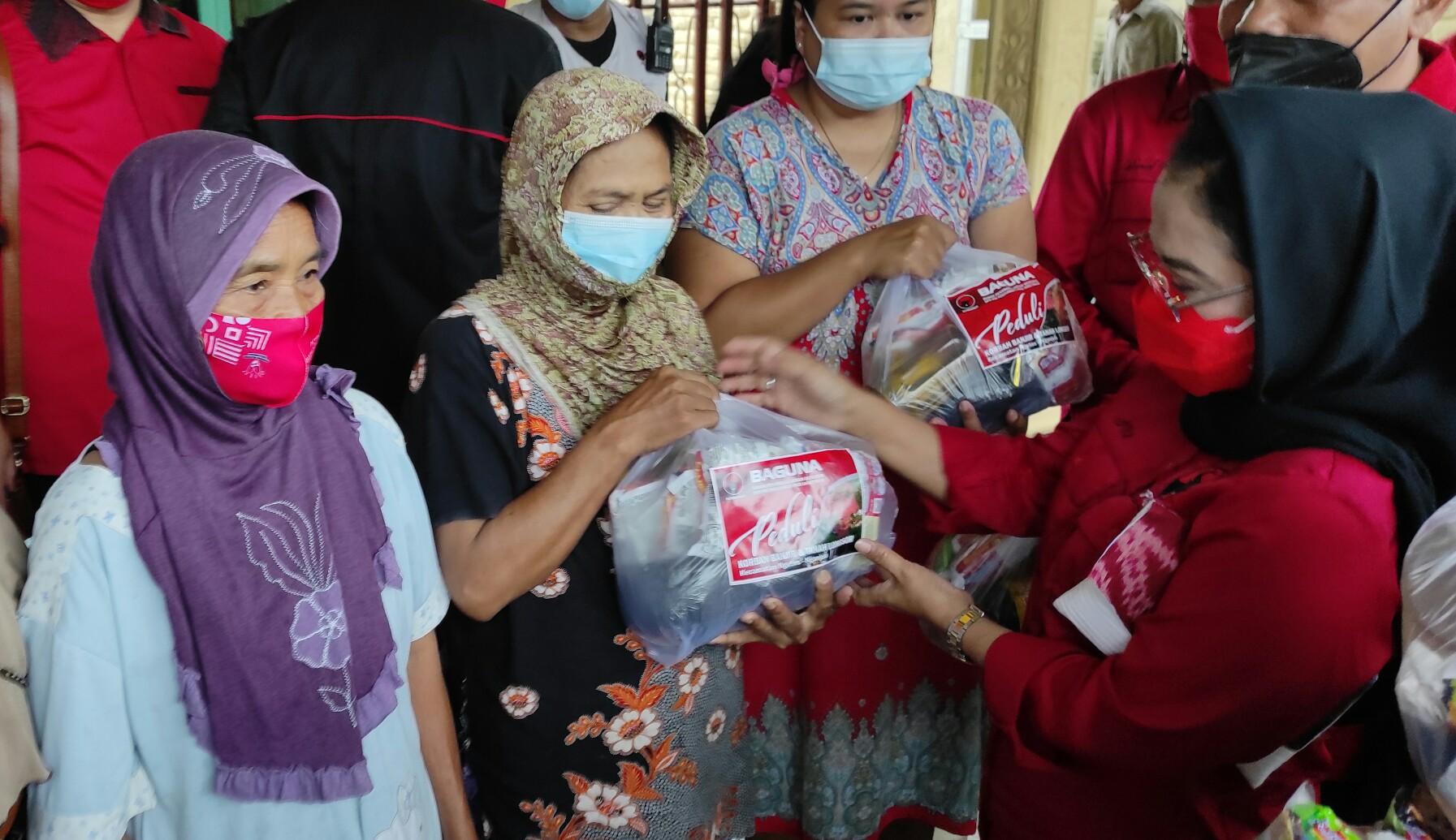 650 KK Terdampak Banjir Nganjuk, PDI Perjuangan Jatim Salurkan Bantuan